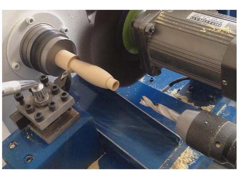 Токарный                       автомат с ЧПУ для обработки древесины