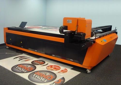 Промышленный цифровой принтер - печать по мебели