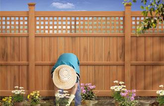 забор из древесно-полимерного композита